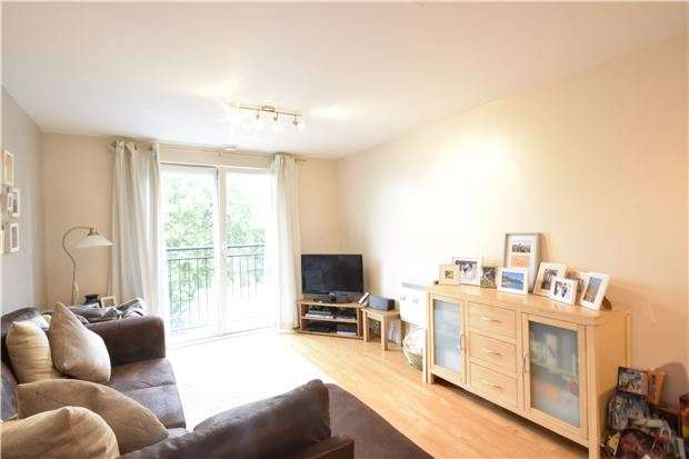 2 Bedrooms Flat for sale in Squires Court, Bedminster, Bristol, BS3 4BX