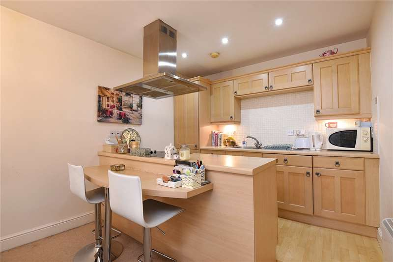 1 Bedroom Apartment Flat for sale in Robert House, Sovereign Place, Harrow, Middlesex, HA1