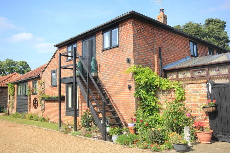 5 Bedrooms Unique Property for sale in Woodton