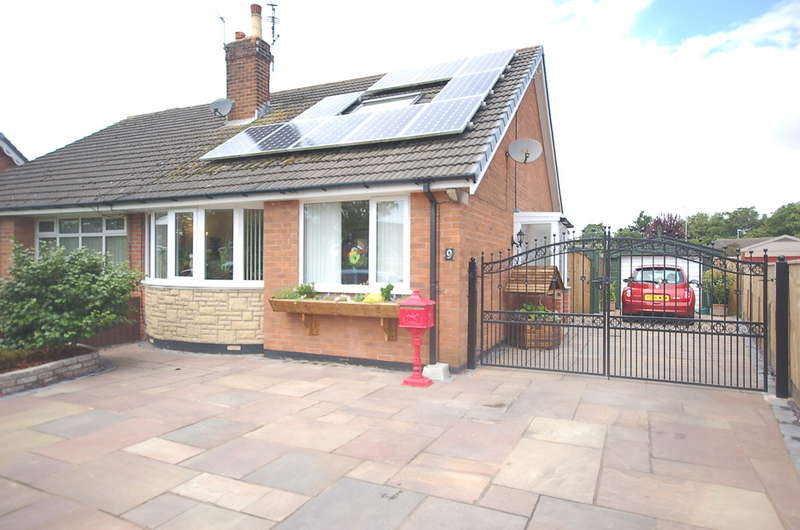 3 Bedrooms Semi Detached Bungalow for sale in Parkstone Avenue, Thornton-Cleveleys