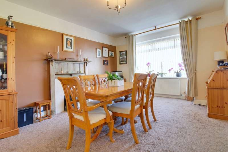 4 Bedrooms Detached House for sale in Deer Park Avenue, Teignmouth