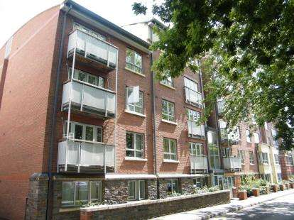 1 Bedroom Flat for sale in St. Peters Court, New Charlotte Street, Bedminster, Bristol