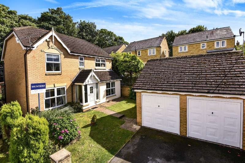 4 Bedrooms Detached House for sale in Long Preston Chase, Apperley Bridge, Bradford, BD10 0UP