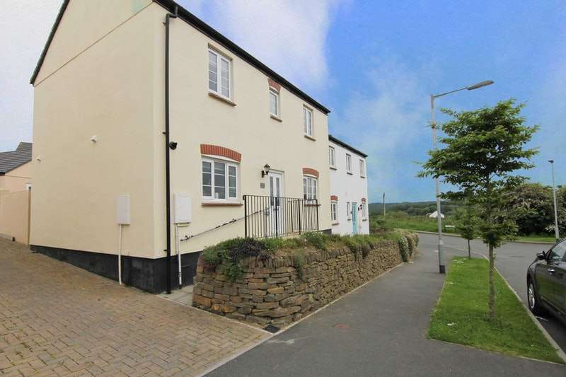 3 Bedrooms Semi Detached House for sale in Carrine way, Truro, Cornwall, TR1
