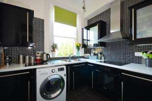 1 Bedroom Flat for sale in Watts Avenue, Rochester, Kent