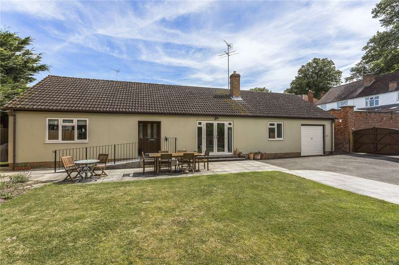 3 Bedrooms Detached Bungalow for sale in Keynsham Road, Cheltenham, Gloucestershire, GL53