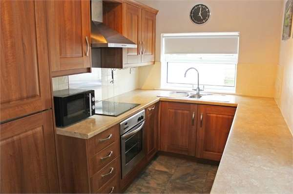 2 Bedrooms Terraced House for sale in Victoria Street, Cleator Moor, Cumbria