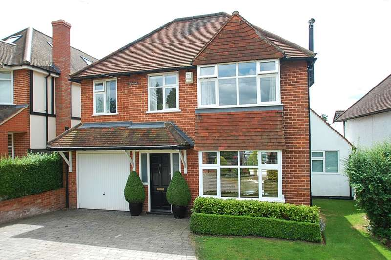 4 Bedrooms Detached House for sale in Hillfield Square, Chalfont St. Peter, SL9