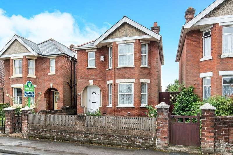 3 Bedrooms Detached House for sale in Langhorn Road, Southampton, SO16