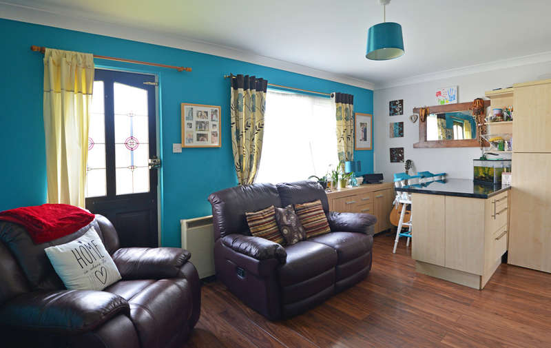 2 Bedrooms Detached Bungalow for sale in The Plovers, St. Lawrence