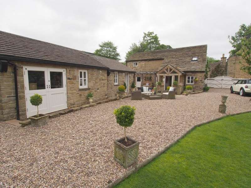 4 Bedrooms Detached House for sale in Bank Vale Road, Hayfield, High Peak, Derbyshire, SK22 2EZ