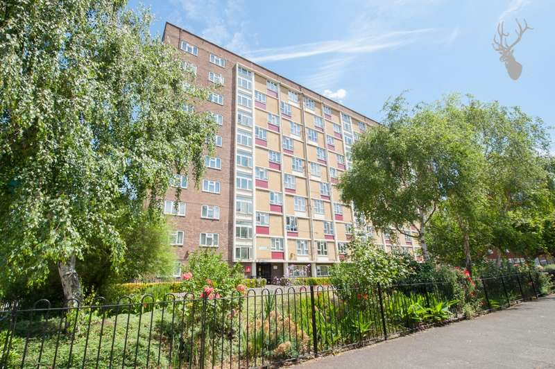 2 Bedrooms Flat for sale in Evelyn Court, Evelyn Walk, Hoxton, N1