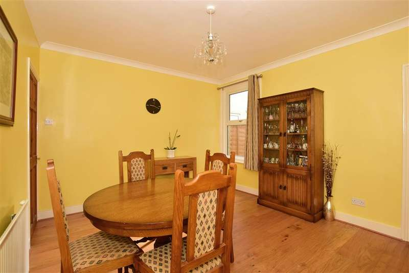 3 Bedrooms Terraced House for sale in Lansdowne Road, Purley, Surrey