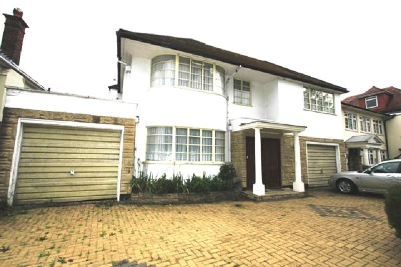 5 Bedrooms Detached House for sale in Penshurst Gardens, Edgware, Greater London. HA8 9TP