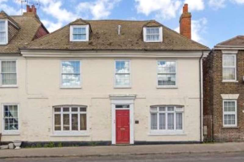 1 Bedroom Flat for sale in High Street, Queenborough, ME11