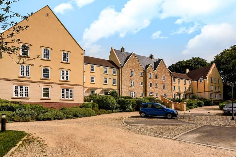 2 Bedrooms Ground Flat for sale in Stonehouse