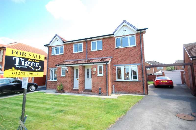 3 Bedrooms Semi Detached House for sale in Roxburgh Road, Blackpool