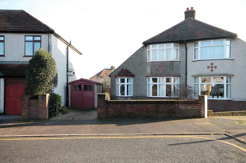 3 Bedrooms Chalet House for sale in Coniston Close, Bexleyheath