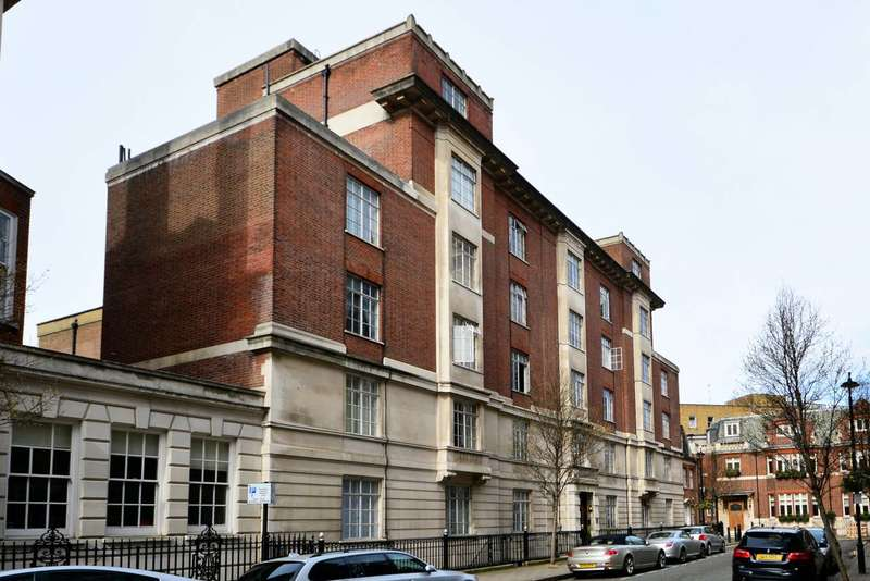 Studio Flat for sale in Hallam Street, Marylebone, W1W