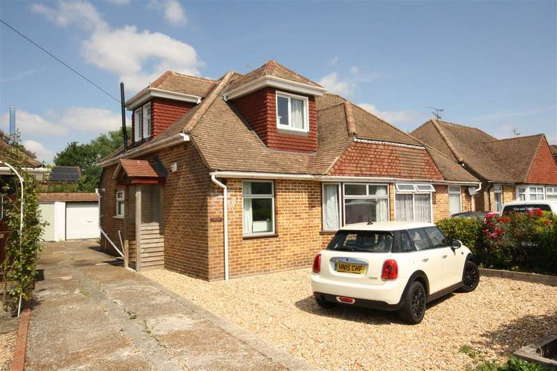 3 Bedrooms Semi Detached House for sale in Martin Avenue, Denmead