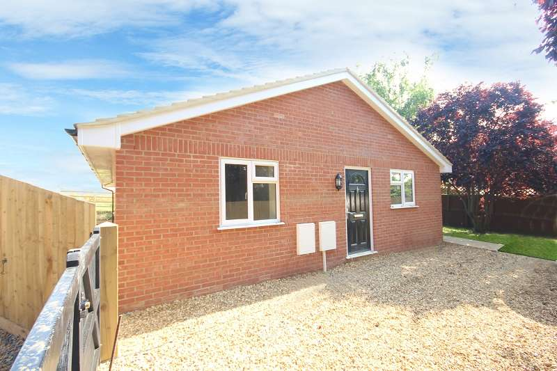 2 Bedrooms Bungalow for sale in Farndish Road, Irchester, Wellingborough, Northamptonshire. NN29 7BE