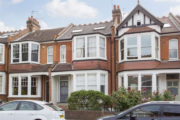 3 Bedrooms Flat for sale in Priory Avenue, Hornsey, N8