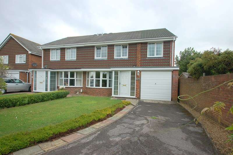 4 Bedrooms Semi Detached House for sale in Saville Close, Alverstoke, Gosport