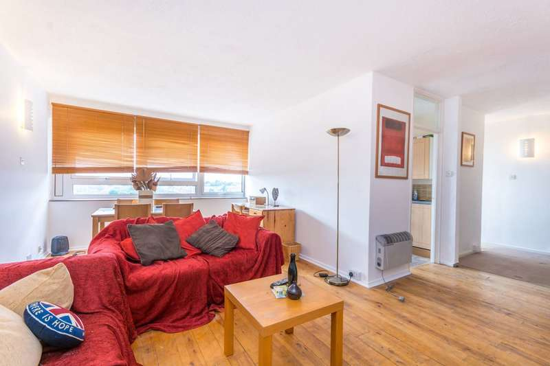 2 Bedrooms Flat for sale in Seven Sisters Road, Islington, N4