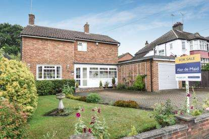 3 Bedrooms Detached House for sale in Corkscrew Hill, West Wickham