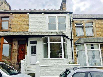 3 Bedrooms Terraced House for sale in Balmoral Road, Lancaster, LA1