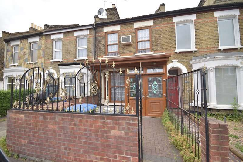 4 Bedrooms Terraced House for sale in Cann Hall Road, London, London, E11