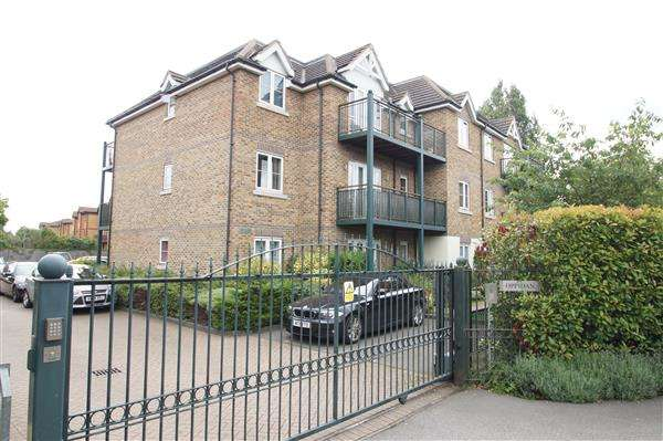 2 Bedrooms Apartment Flat for sale in Oppidan, Huntercombe Lane North, Taplow