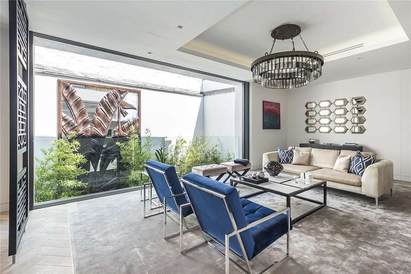 3 Bedrooms House for sale in Westbourne Grove Mews, London, W11