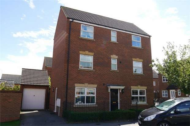 5 Bedrooms Detached House for sale in Hurlingham Road, Market Harborough, Leicestershire
