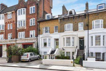 2 Bedrooms Maisonette Flat for sale in Trinity Road, London