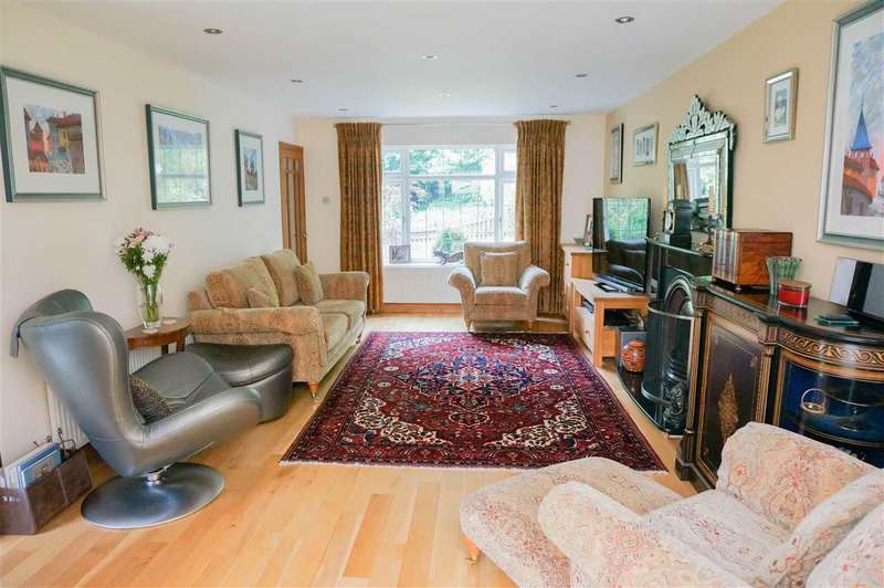 5 Bedrooms Detached House for sale in Jobson Close, Whitchurch