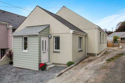 3 Bedrooms Semi Detached House for sale in Sticker, St. Austell, Cornwall