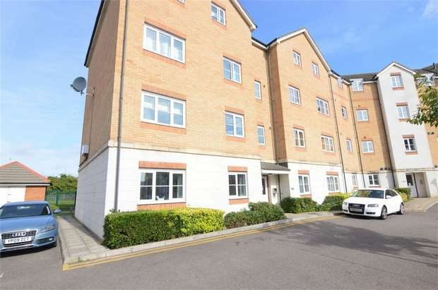 2 Bedrooms Flat for sale in Huron Road, Broxbourne, Hertfordshire