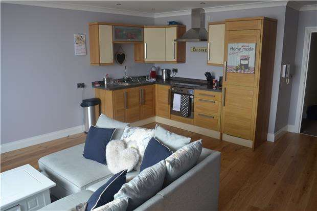 1 Bedroom Flat for sale in White Rock, HASTINGS, East Sussex, TN34 1JL