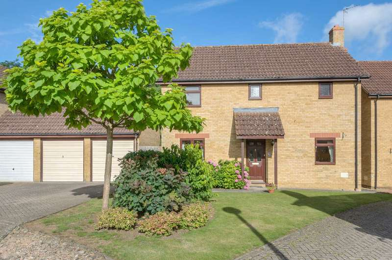 3 Bedrooms Detached House for sale in Chevalier Grove, Crownhill