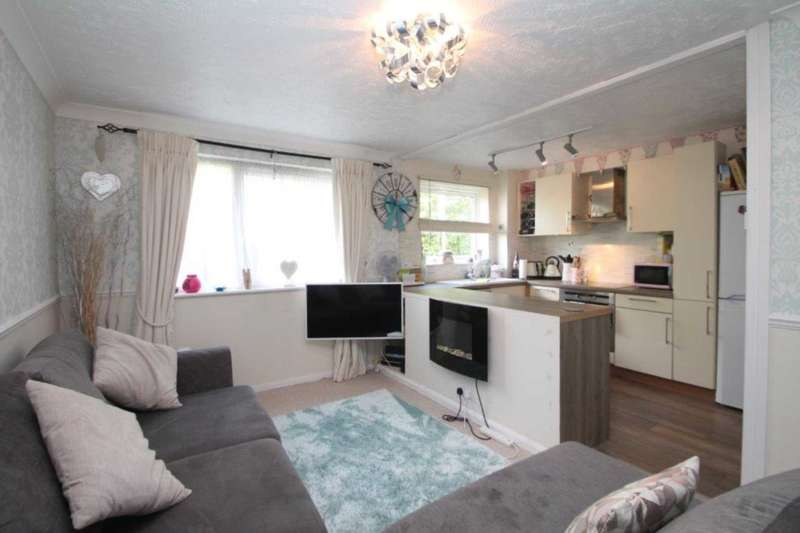 1 Bedroom Flat for sale in Valley Green, Woodhall Farm