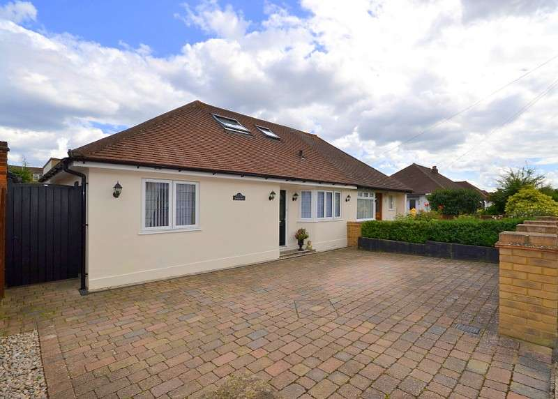 3 Bedrooms Semi Detached Bungalow for sale in Shepperton
