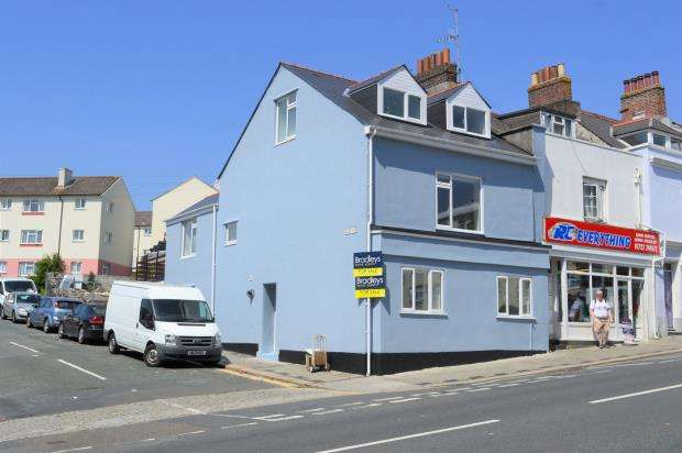 3 Bedrooms Maisonette Flat for sale in Albert Road, Plymouth, Devon