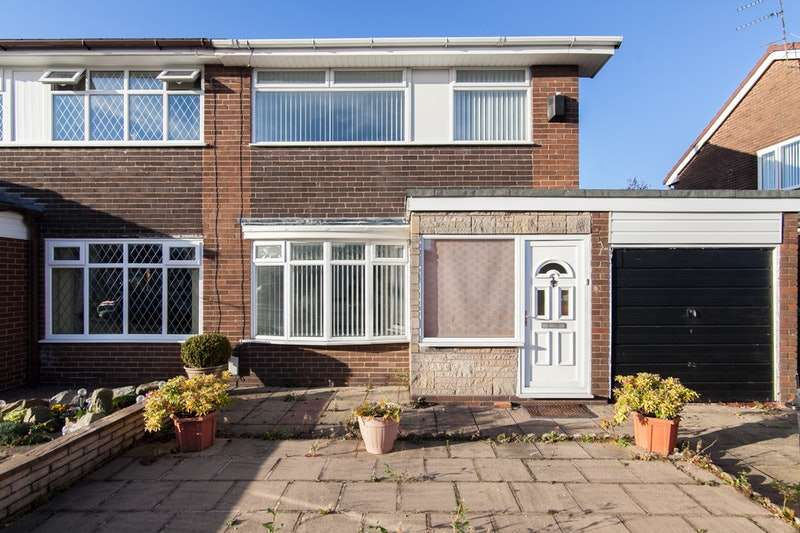 3 Bedrooms Semi Detached House for sale in 3 Arnside ave, Chadderton, Greater Manchester, OL9