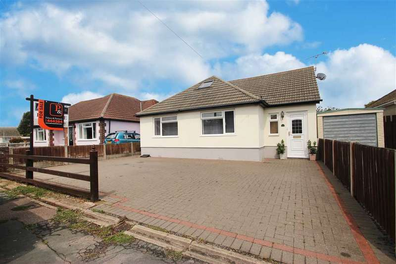 4 Bedrooms Bungalow for sale in Park Square East, Clacton-On-Sea