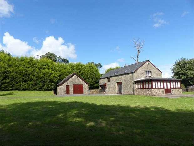 4 Bedrooms Detached House for sale in Bettws Road, Llangeinor, Bridgend, Mid Glamorgan