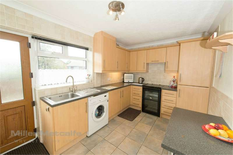 2 Bedrooms Semi Detached Bungalow for sale in Sandringham Road, Horwich, Bolton, BL6