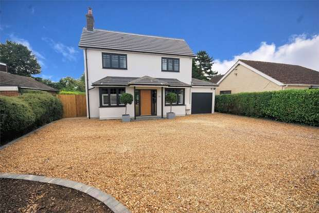 4 Bedrooms Detached House for sale in Wendover Road, Weston Turville, Buckinghamshire