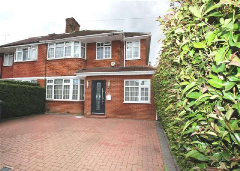 4 Bedrooms Semi Detached House for sale in Francklyn Gardens, Edgware, Greater London. HA8 8RU