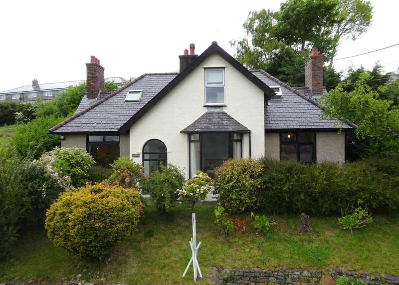 4 Bedrooms Detached House for sale in Gerlan Road, Bethesda, Bangor, Gwynedd, LL57